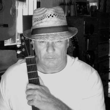 RayBrookes's avatar