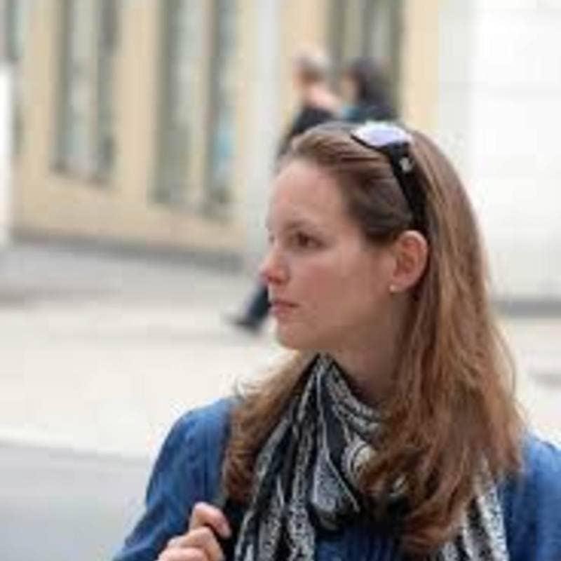 Rosalie Ruth's avatar